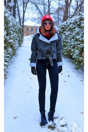 red beanie Carhartt hat - dark gray romwe jacket
