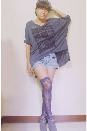 deep purple lace Forever 21 socks - heather gray SoFAB boots