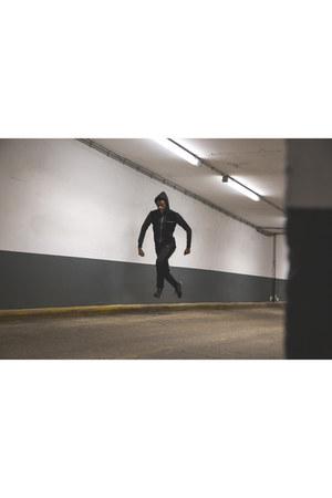 Maniere de voir bodysuit - New Balance sneakers