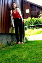 beige Nelly shoes - black my grandmothers that i got pants - red trifted top - w