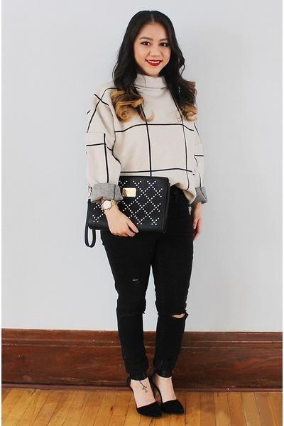 silver grid Chicwish sweater - black clutch Bebe purse