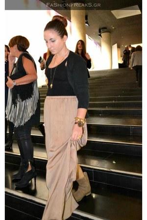 tan Zara skirt