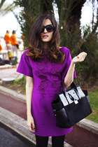 black vynil Dsquared2 bag - amethyst flowers details H&M dress