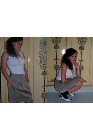 white H&M blouse - white H&M accessories - gold Zara skirt - black no name socks