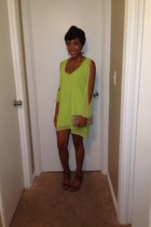 green chiffon Tobi dress - gold Arden B purse - brown Shi heels