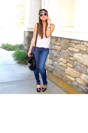 Club Monaco top - joes jeans - Dolce Vita shoes - Zara bag