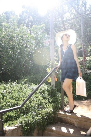 navy plaid Forever 21 dress - off white sunhat hat - tan mini crossbody bag