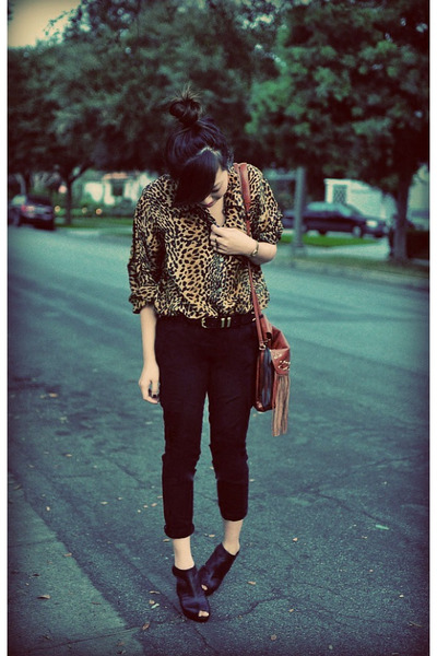 black Cut-out i wedges - camel Fringe H&M bag - black asos belt