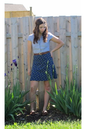 vintage blouse - vintage skirt - vintage shoes - vintage belt