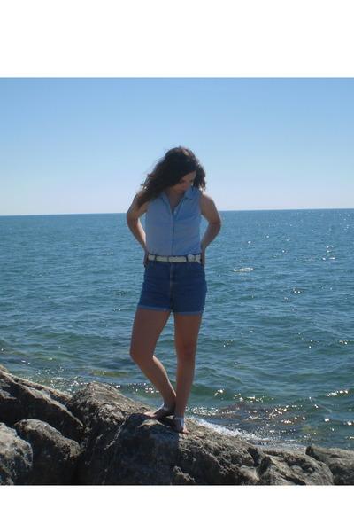 vintage blouse - vintage shorts - payless shoes - vintage belt