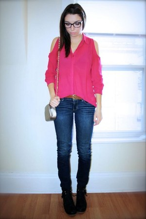 hot pink winners shirt - blue Value Village jeans