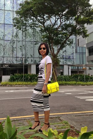 black new look skirt - yellow Steve Madden bag - dark green Ray Ban sunglasses