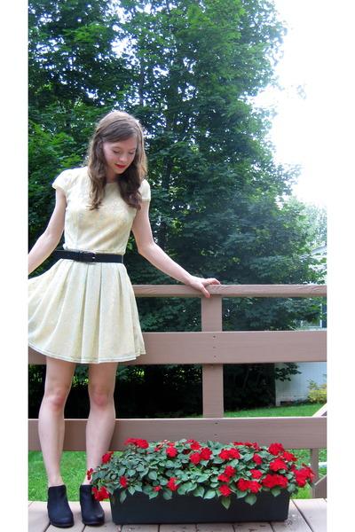 yellow francescas dress - black Unionbay boots - black vintage belt