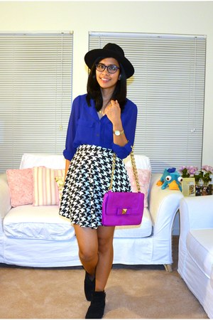 magenta kate spade purse - tan Longines watch - black Forever 21 skirt