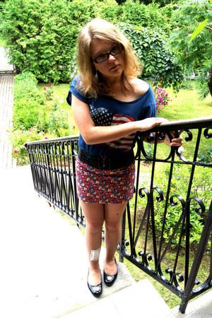 blue Bik Bok t-shirt - hot pink Bershka skirt