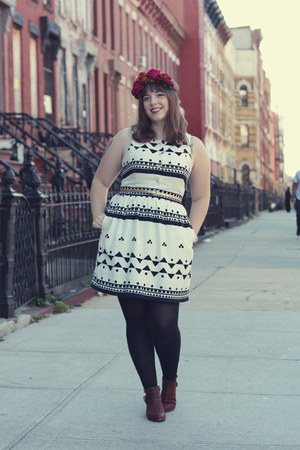 white black and white J Crew dress - dark brown ankle Seychelles boots