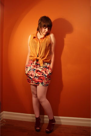 gold American Apparel shirt - pink Lush skirt - pink We Love Colors tights - red