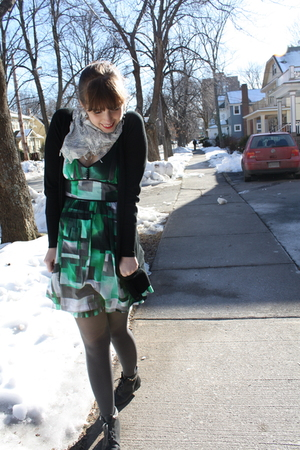 green kensie dress - gray H&M tights - black Forever 21 boots - black Zara sweat