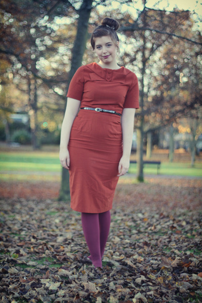 burnt orange modcloth dress - maroon American Apparel tights