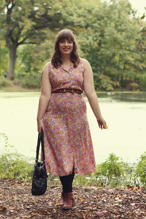 light purple floral print vintage dress - brown Seychelles boots