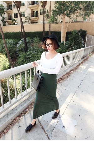 teal long skirt Style Nanda skirt - white Style Nanda shirt - black Nanda bag