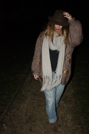 thrifted vintage cardigan - pull&bear boots - H&M jeans - flchet hat