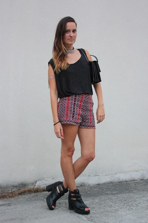 thrifted vintage bag - Forever 21 shorts - new look flats - thrifted vintage top