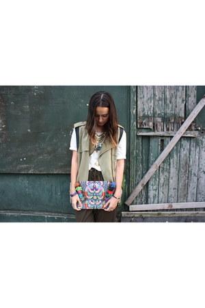H&M shirt - pull&bear boots - Bershka jacket - onlytrend bag