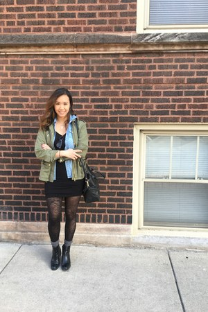 army green military jacket H&M jacket - black booties Zara boots