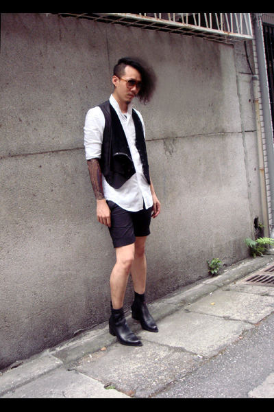 Just In Case shirt - Just In Case vest - Just In Case shorts - xavier delCUR sho