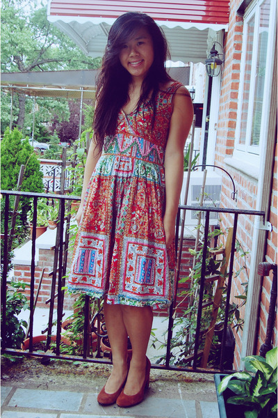 Red Printed Blue Plate Dresses Salmon Urban Outfitters Heels ...