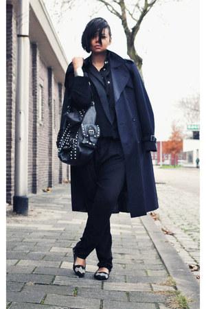 black blazer - navy vintage coat - black bag - black pants - black loafers