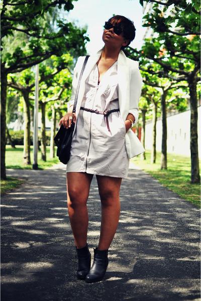 black Sacha boots - light pink acne dress - white Zara blazer - black vintage ba