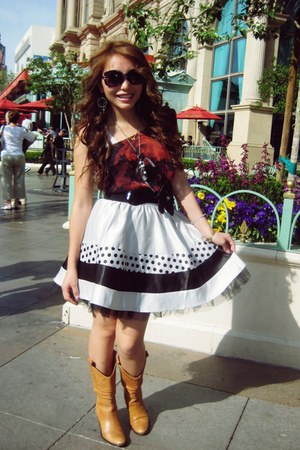 cowboy boots Forever21 boots - causal Forever21 top - Forever21 skirt