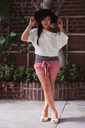 vintage hat - H&M shorts - DIY necklace - vintage top