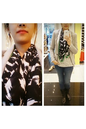 black scarf - black aldo shoes