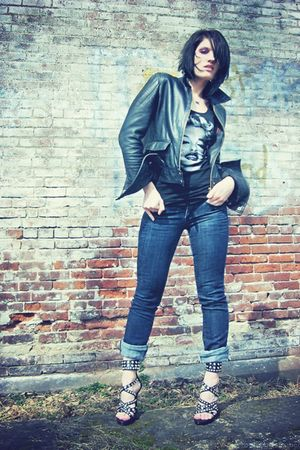 black H&M top - black Steve Madden shoes - black nicole miller jacket - blue Exp
