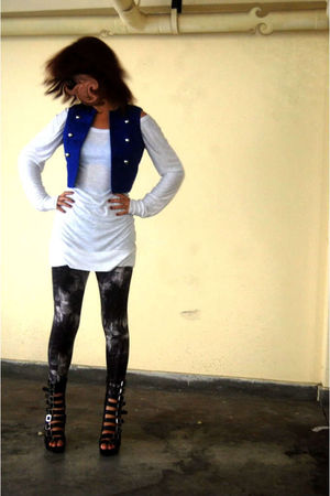 black Jeffrey Campbell shoes - gray axxs leggings - white Pepe Jeans shirt - blu