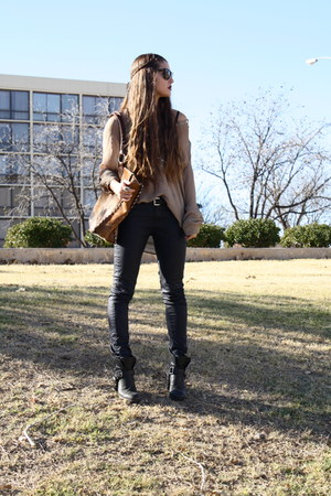 harness Dolce Vita boots - wax Zara jeans - cowhide Indian Creek Leather bag