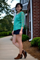 green Skies are blue shirt - dark brown BC footwear boots - navy Old Navy shorts