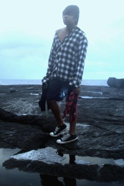 white No Retreat - navy shorts - dark gray Converse shoes · black  ONTHEBYASS t-shirt ... 794606a9d