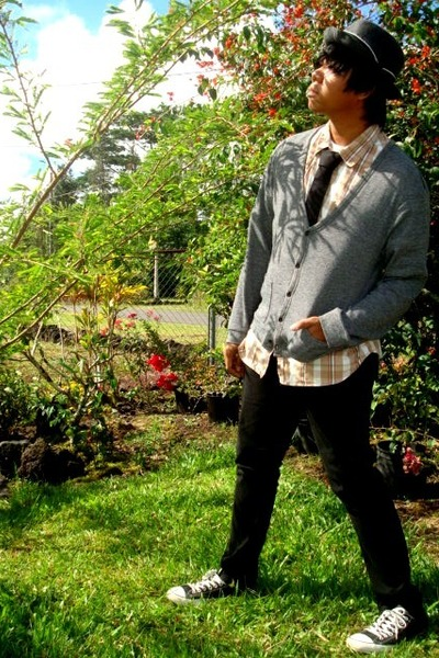 brown Oneil shirt - gray Forever21 cardigan - black Club Room tie - gray ae hat