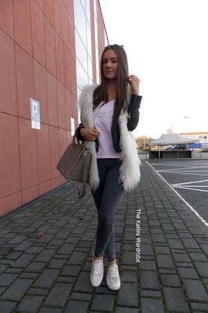 white Sheinsidecom vest