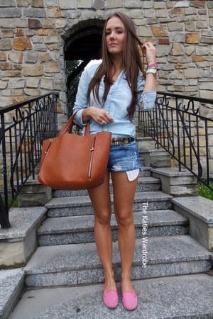 blue H&M shirt
