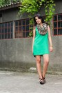 Green-stradivarius-dress-camel-bershka-scarf-black-stradivarius-bag