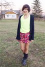 Dark-gray-pull-bear-boots-navy-sh-sweater-yellow-reserved-blouse