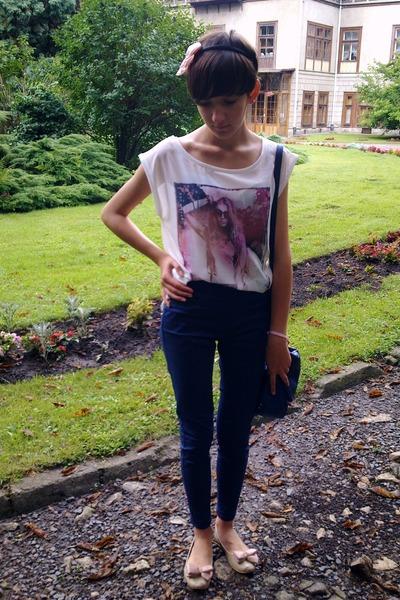 neutral c&a blouse - light pink czasnabutypl shoes - blue Bershka pants