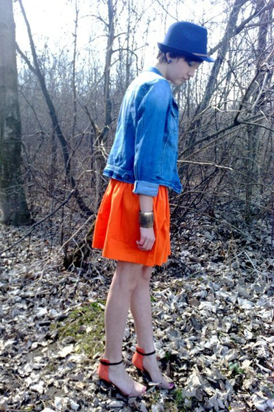 carrot orange Zara skirt - blue reserved hat - blue jeans house jacket