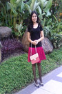 Box-shaped-pink-bag-bag-black-top-blouse
