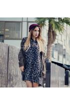 navy leopard print Yarins Boutique hoodie - brick red beanie madewell hat
